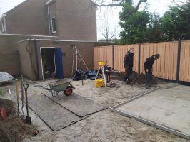 Aanleg achtertuin cortenstaal / buitenkeuken / schutting Fransebaan Eindhoven